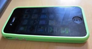 iPhone4+緑バンパー